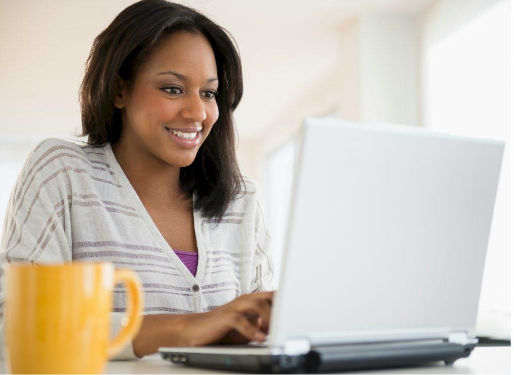 Performance management woman on Laptop