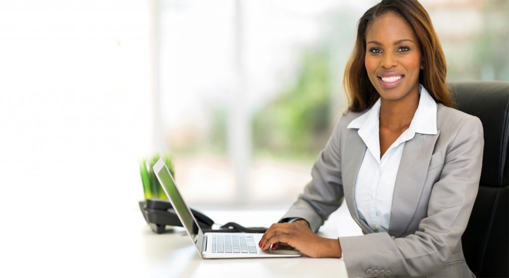 training woman on Laptop